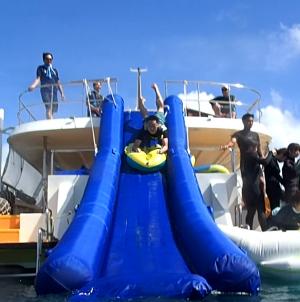 「到着したその日から沖縄の青い海を楽しもう」イメージ